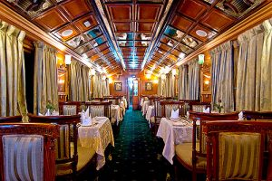 palace-on-wheels-restaurant1-l